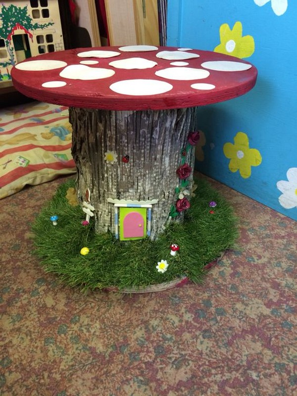 15 wonderful diy wire spools furniture to make for your for Small wire spool ideas