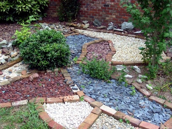 DIY Stone Decor To Make Your Garden Look Like A ...