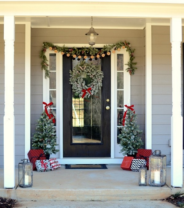 Simple Christmas Front Door Decor Ideas To Make It More Welcoming The Art In Life