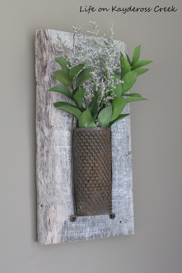 Amazing Rustic Wall Decorations To Add Charm To Your Home