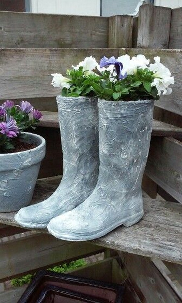15 Awesome Concrete Garden Decor Ideas To Have The Most ... on Backyard Patio Landscaping id=49097