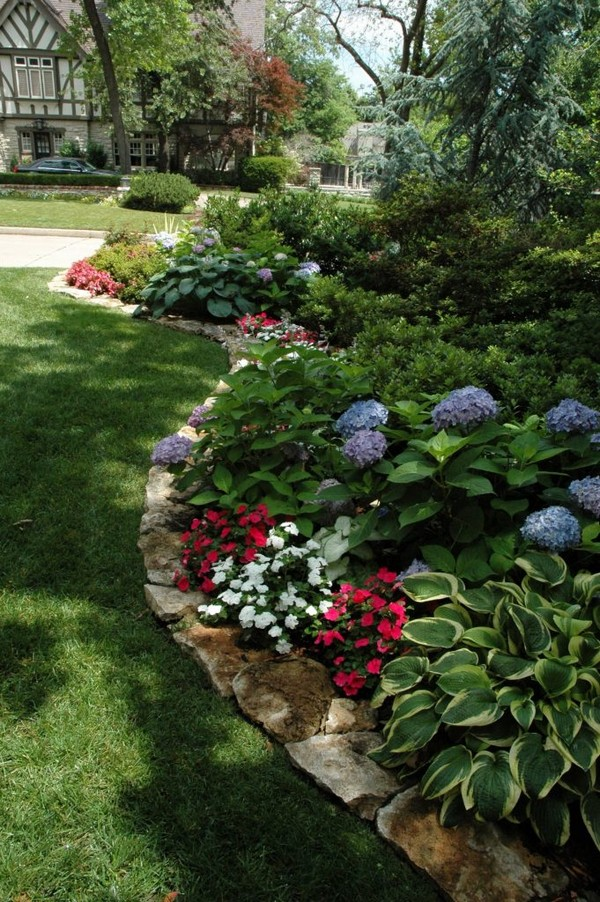 18 Impressive Garden Decor Ideas To Beautify Your Yard ... on Backyard Garden Decor id=36513