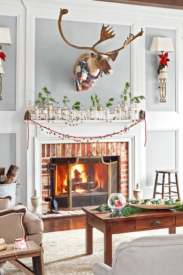 Christmas Mantel Decorating Ideas To Make It Look ...